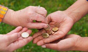 Veselība sašķobījusies, bet ārstēšana – dārga. Pie kāda 'salmiņa' ķerties – ātrā kredīta, ziedojumiem?