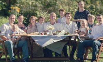 Dzimtas salidojums – 'uzsist klaču' ne tikai kāzās un bērēs