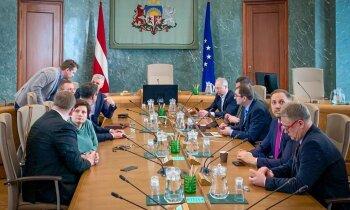 Latvija daļēji slēdz savas robežas, aizliedz publiskos pasākumus, bērnudārzi strādās (plkst. 20:00)