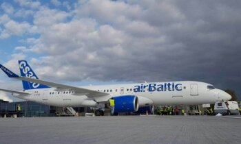 Foto: 'airBaltic' testē jauno 'Bombardier' lidmašīnu