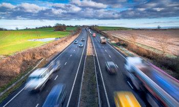 'Delfi' no Strasbūras: EP plāno 'zaļāku' autoceļu nodevu
