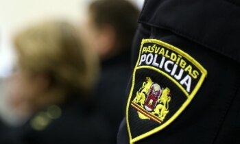 Disciplināri sodīts pašvaldības policists, kurš provocēja braukt iereibušu šoferi