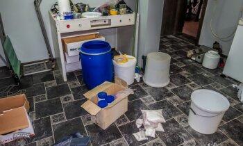 Policija Pierīgā atrod jaudīgu amfetamīna laboratoriju; aiztur trīs personas