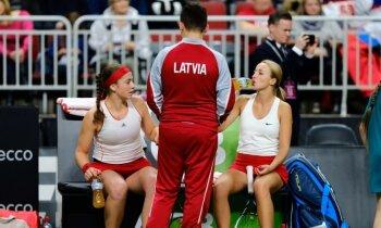 Ostapenko un Marcinkeviča dubultspēlē panāk graujošu Latvijas uzvaru