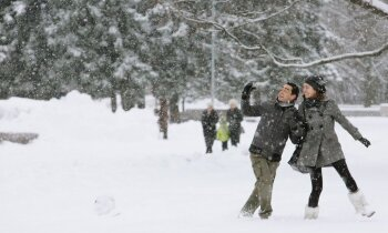 Sniegs un šķīdonis plosās Latvijā, jaunumi par 'Daesh' ieročiem. Rīta aktualitātes