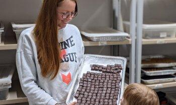 Kukaiņu Edīte. Latviete radījusi šokolādes konfektes ar kukaiņu proteīnu