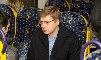 Ušakovs neplāno lauzt līgumu ar e–talona saimnieku 'Rīgas karti'