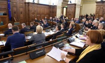 Saeima aicina Krieviju atzīt Latvijas okupāciju un nesagrozīt vēsturi