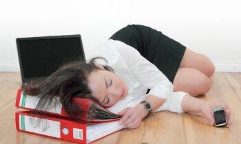 Kā cīnīties ar nogurumu darbā: noderīgi padomi