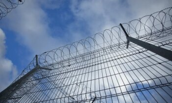 Ugunsgrēku Olaines cietumā izraisīja notiesātais, aizdedzinot matraci