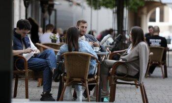 Rīgas piedāvātie tipveida terašu risinājumi šovasar izmantoti vairāk nekā 30 reižu