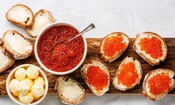 Svētku brokastīs ikru maizītes – šefpavāra ieteikumi, kā izvēlēties delikatesi