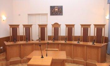 Video: Satversmes tiesa pasludina spriedumu lietā par 'tēva atvaļinājumu'