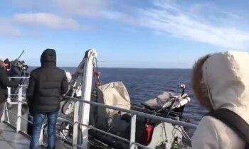 Video: Kuģi Rīgas jūras līcī iziet parādē