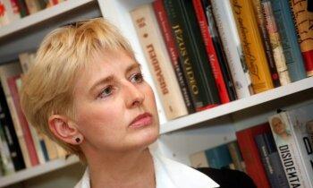Tiesa atceļ Streļčenoka lēmumu par Strīķes atbrīvošanu; viņai jau rīt jāierodas darbā