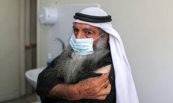 Izraēlas veiksmes stāsta ēnas puse: kurš vakcinē palestīniešus?