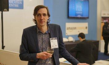 'Delfi' no Londonas: Dzejnieks Viguls iekļuvis Eiropas interesantāko autoru sarakstā