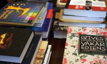 Grāmatu netaisa par 'trīnīti'! Raidījums 'Aizliegtais paņēmiens' sadusmo grāmatizdevējus
