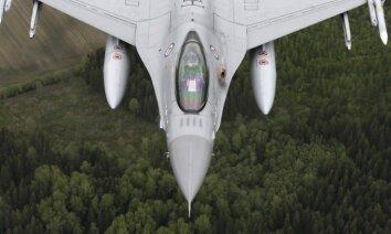 ВИДЕО: Пилот НАТО показал Литву через окно истребителя