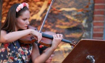 Foto: 'Sansusī' kamermūzikas festivāls pie dabas krūts