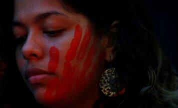 Jordānijā atceļ likumu, kas pasargā upurus apprecošos izvarotājus