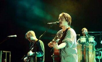 Foto: Ar neviltotu pūļa sajūsmu izskanējis 'Milky Chance' koncerts