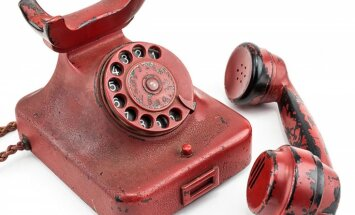 Izsolē ASV pārdos Hitlera telefonu