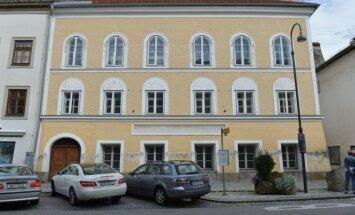 Austrijas valdība atsavinās Hitlera dzimto namu