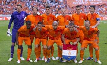 Zināms Nīderlandes futbola izlases sastāvs dalībai Eiropas čempionāta finālturnīrā