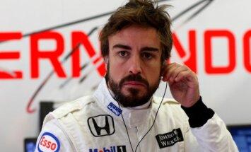 Alonso uz vienu sezonu pagarina līgumu ar 'McLaren' komandu