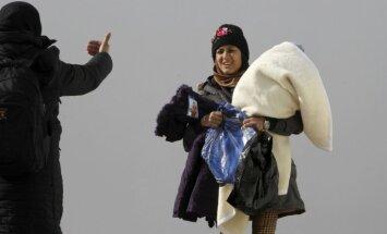 Покинувшие Латвию беженцы потеряют пособие