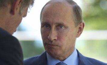 Песков объяснил нападки Запада на Россию негуттаперчевостью Путина