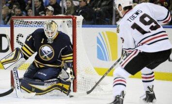 'Sabres' bez Girgensona piekāpjas 'Blackhawks' hokejistiem