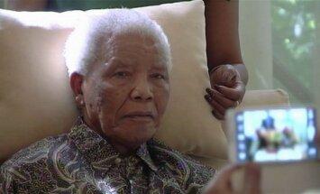 Slimnīcā ievietotā Mandelas veselība atkal pasliktinājusies