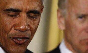 Obama emocionalā uzrunā paziņo par šaujamieroču tirdzniecības ierobežošanu ASV