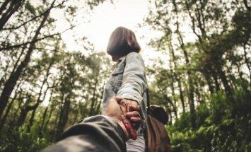 Dzelžainā lēmuma priekšā: pazīmes, kas liecina – partneris grasās tevi pamest