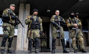 Donbasā karo 43 000 kaujinieki un Krievijas karavīri, ziņo ATO