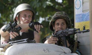 Pie Krievijas robežas ukraiņu pozīcijas apšaudītas ar astoņiem mīnmetējiem; 31 ievainotais