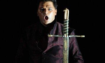 Antoņenko Metropolitēna operā izrādes laikā pazaudējis balsi