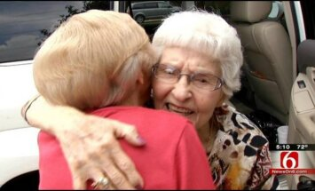 Pusmāsas 85 un 94 gadu vecumā tiekas pirmo reizi