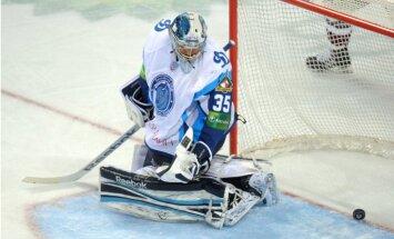 Rīgas 'Dinamo' 'saplosa' Minskas hokejistus KHL Cerības kausa pusfināla ieskaņā