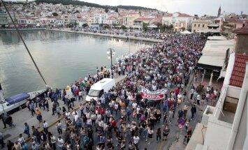 Lesbā demonstrācija pret migrantu pieplūdumu izvēršas vardarbībā