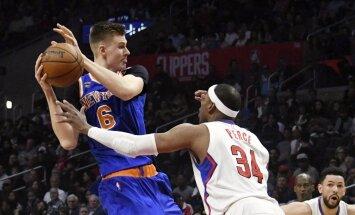 Porziņģis iemet 18 punktus; 'Knicks' smago izbraukumu sāk ar zaudējumu 'Clippers'