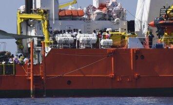 Parīze: Makrons nav vēlējies aizvainot Itāliju migrantu kuģa jautājumā