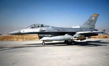 Ēģipte no ASV saņem kārtējo 'F-16' iznīcinātāju sūtījumu