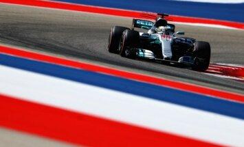 Hamiltons uzvar ASV 'Grand Prix' kvalifikācijā