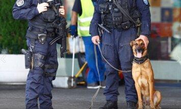 Foto: Pēc draudiem uzspridzināt lidmašīnu Tallinas lidostā pastiprināta drošība