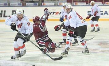 Rīgas 'Dinamo' Ziemassvētkos uzdāvina sev graujošu uzvaru Novokuzņeckā