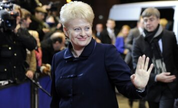 Briselē sarīkots izlēciens pret Lietuvas prezidenti