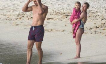ФОТО: Владимир Кличко отдыхает с семьей на Барбадосе